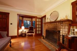 745 E Rio Grande Living Room