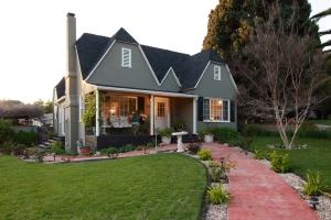 3041 Santa Rosa: Front